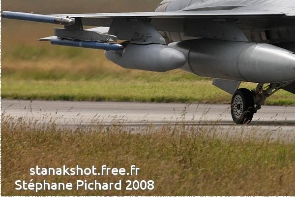 Photo#3632-3-General Dynamics F-16AM Fighting Falcon