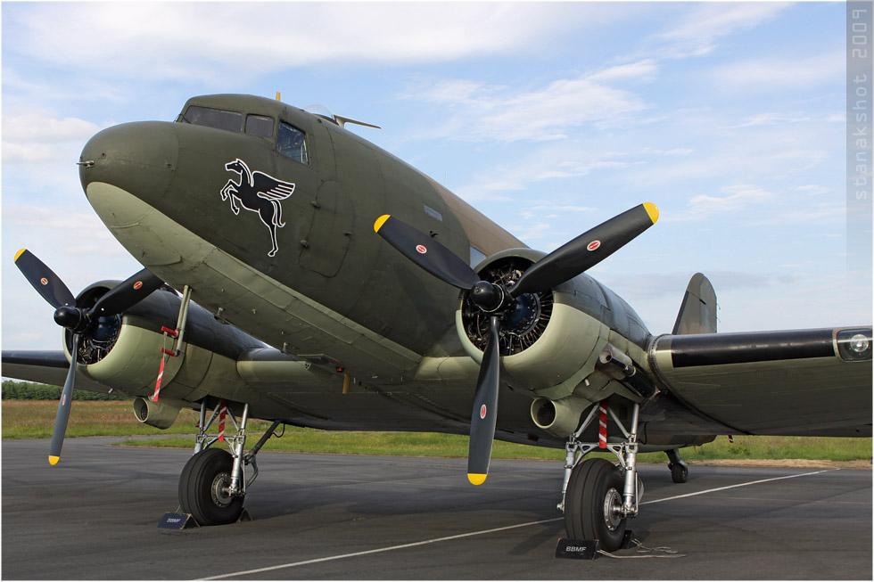 tof#4287_DC-3_de la Force aérienne royale britannique