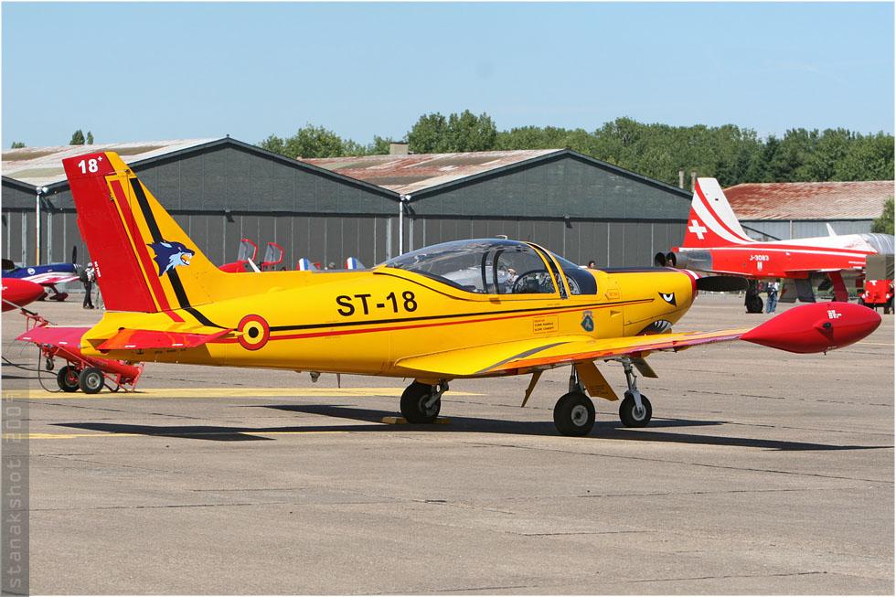 tof#4389 SF.260 de la Force aérienne belge au statique à Tours (France) lors du Meeting National de l'Air 2009