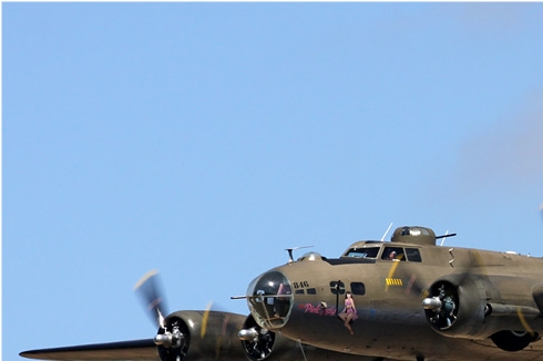 Photo#4209-1-Boeing B-17G Flying Fortress