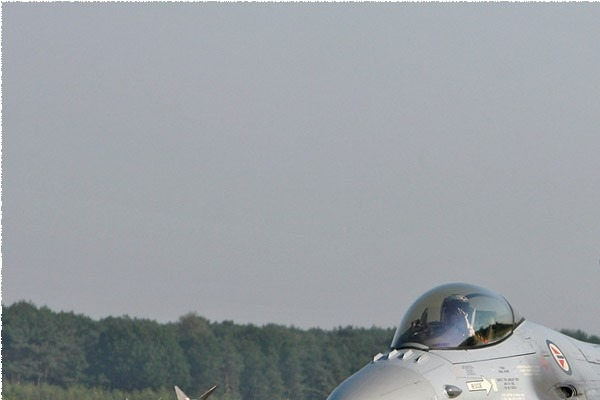 Photo#4530-1-General Dynamics F-16AM Fighting Falcon