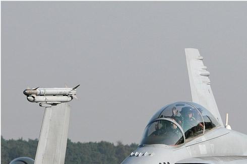 Photo#4553-1-McDonnell Douglas F/A-18D Hornet
