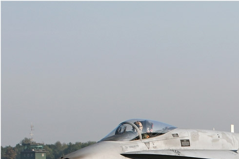 Photo#4555-1-McDonnell Douglas EF-18A Hornet
