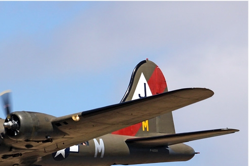 Photo#4209-2-Boeing B-17G Flying Fortress
