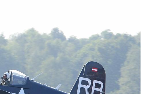 Photo#4559-2-Chance Vought F4U-4 Corsair