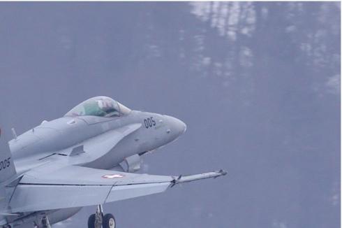 Photo#4676-2-McDonnell Douglas F/A-18C Hornet