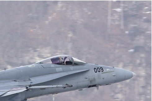 Photo#4681-2-McDonnell Douglas F/A-18C Hornet