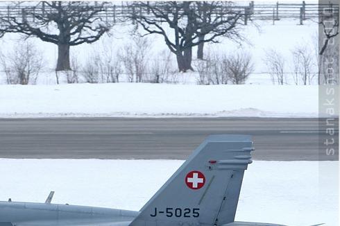 Photo#4688-2-McDonnell Douglas F/A-18C Hornet