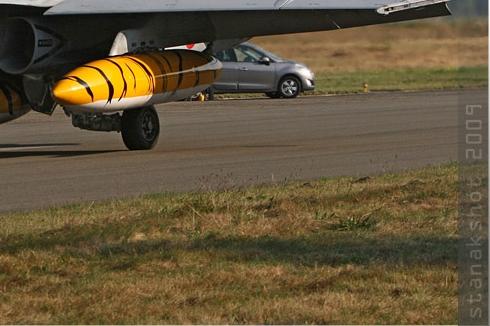 Photo#4555-4-McDonnell Douglas EF-18A Hornet