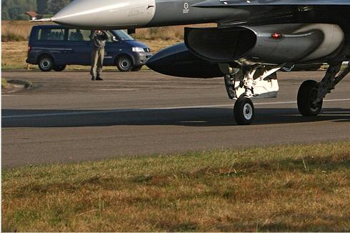 Photo#4523-3-General Dynamics F-16AM Fighting Falcon