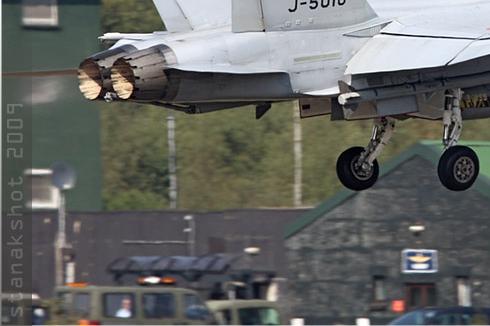 Photo#4548-3-McDonnell Douglas F/A-18C Hornet