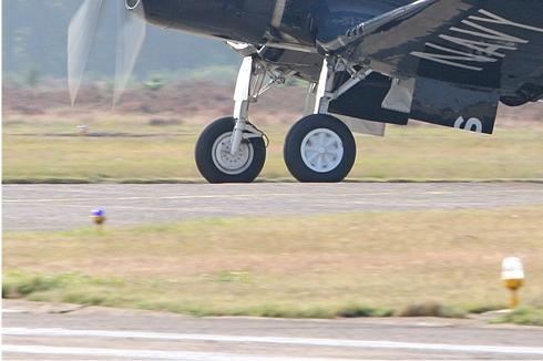 Photo#4559-3-Chance Vought F4U-4 Corsair
