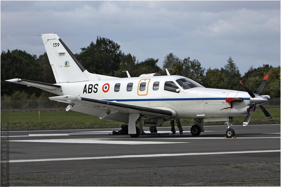tof#5387 TBM700 de l'Aviation légère de l'Armée de terre française au statique à Rennes (France) en 2010