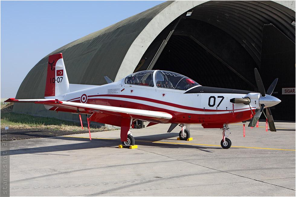 tof#5694 KT-1 de la Force aérienne turque au statique à Çiğli (Turquie) en 2011