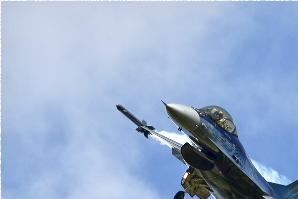 Photo#5109-1-General Dynamics F-16AM Fighting Falcon