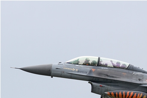 Photo#5502-1-Lockheed F-16D Fighting Falcon