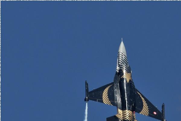 Photo#5646-1-General Dynamics F-16C Night Falcon