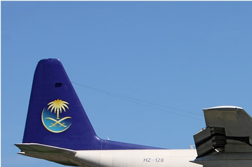 5882a-Lockheed-L-100-30-Hercules-Arabie-Saoudite-air-force