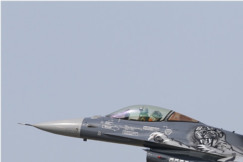 Photo#5953-1-General Dynamics F-16AM Fighting Falcon
