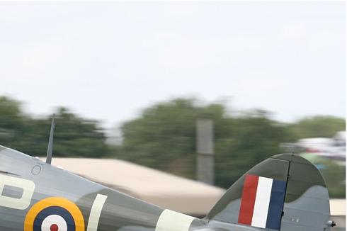 Photo#5355-2-Hawker Hurricane IIB