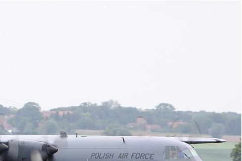 5585b-Lockheed-C-130E-Hercules-Pologne-air-force