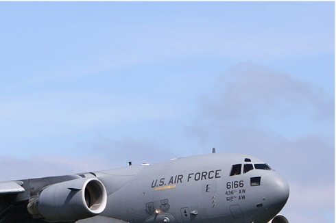 Photo#5876-2-Boeing C-17A Globemaster III