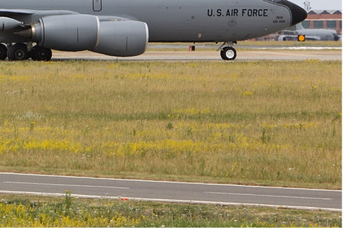 Photo#5067-4-Boeing KC-135R Stratotanker