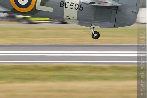 Photo#5355-4-Hawker Hurricane IIB