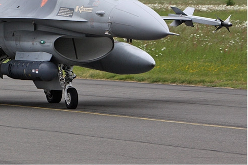 Photo#5498-4-General Dynamics F-16AM Fighting Falcon