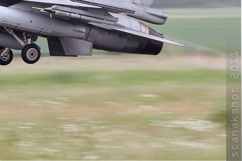 Photo#5595-4-Lockheed Martin F-16C Fighting Falcon