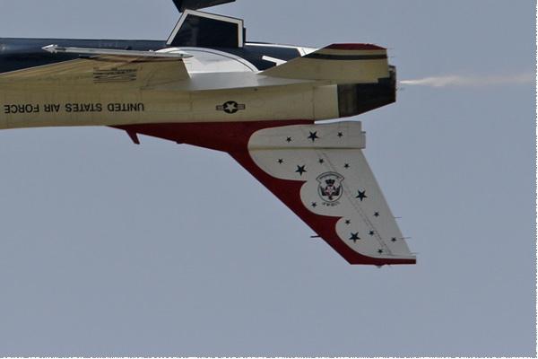 Photo#5657-4-General Dynamics F-16C Fighting Falcon