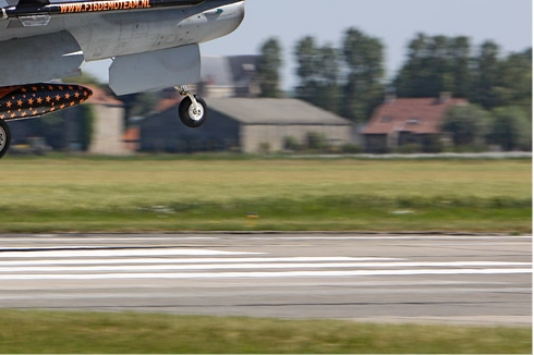 Photo#5879-4-General Dynamics F-16AM Fighting Falcon