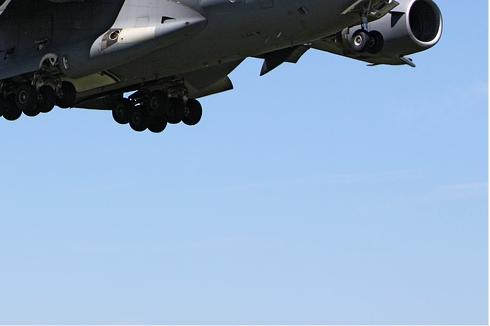 Photo#5886-4-Boeing C-17A Globemaster III