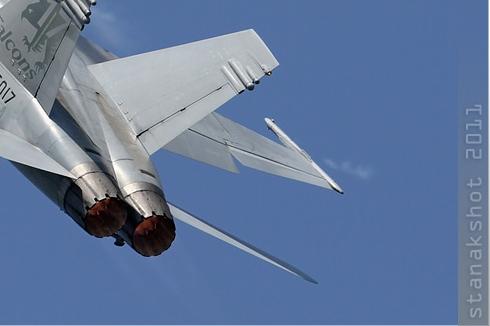 5912c-McDonnell-Douglas-F-A-18C-Hornet-Suisse-air-force