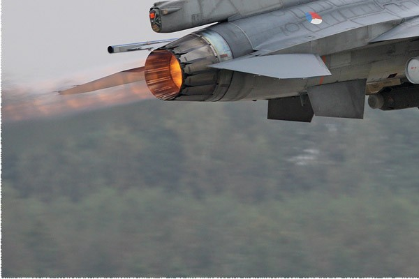 Photo#5418-3-General Dynamics F-16AM Fighting Falcon