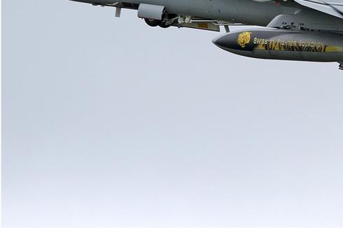 5513d-McDonnell-Douglas-F-A-18C-Hornet-Suisse-air-force