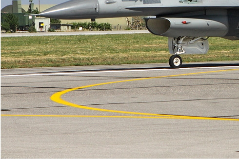 Photo#5648-3-General Dynamics F-16A Fighting Falcon