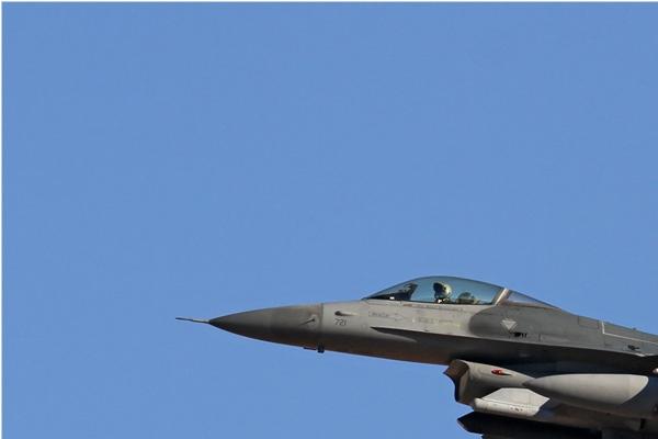 6533a-General-Dynamics-F-16C-Night-Falcon-USA-air-force