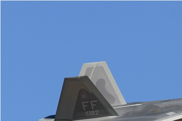 6546a-Lockheed-F-22A-Raptor-USA-air-force