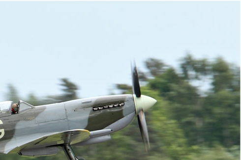 Photo#6051-2-Supermarine Spitfire LF16E
