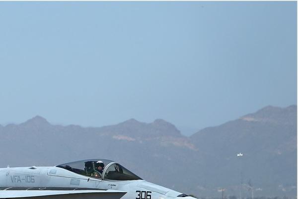 Photo#6711-2-McDonnell Douglas F/A-18C Hornet