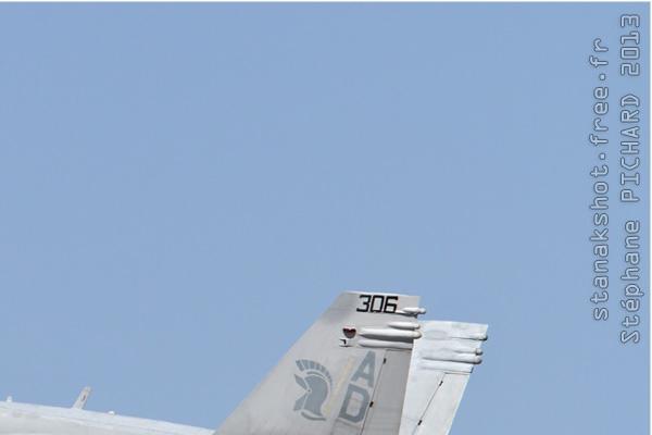 Photo#6712-2-McDonnell Douglas F/A-18C Hornet