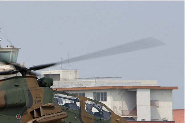 6980b-Kawasaki-OH-1-Ninja-Japon-army