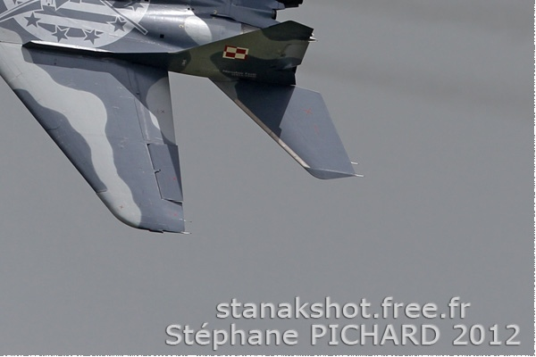 Photo#6124-4-Mikoyan-Gurevich MiG-29A