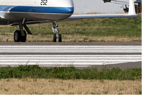 Photo#6781-4-Gulfstream Aerospace U-4