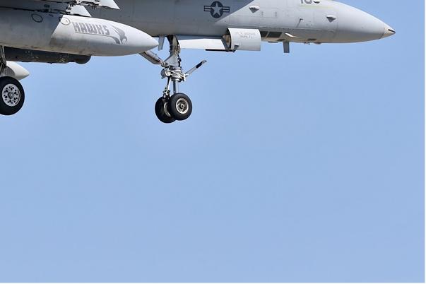 Photo#6959-4-McDonnell Douglas F/A-18D Hornet