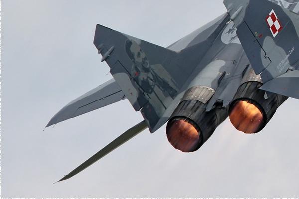 Photo#6125-3-Mikoyan-Gurevich MiG-29A