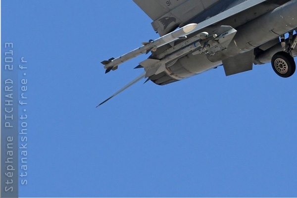 6526d-General-Dynamics-F-16D-Fighting-Falcon-USA-air-force