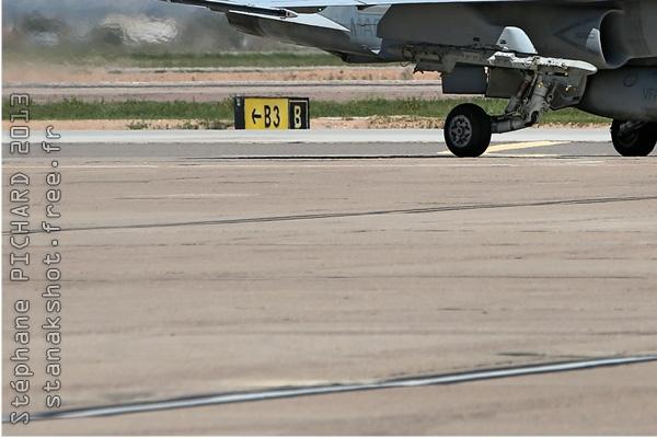 Photo#6711-3-McDonnell Douglas F/A-18C Hornet