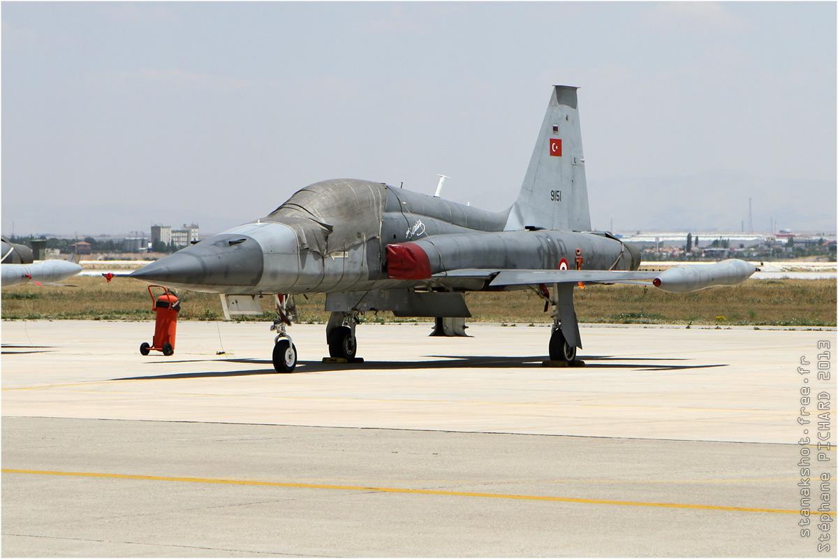 tof#7065 F-5 de la Force aérienne turque au statique à Konya (TUR) lors du Anatolian Eagle 2013